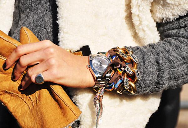 Часы модный аксессуар